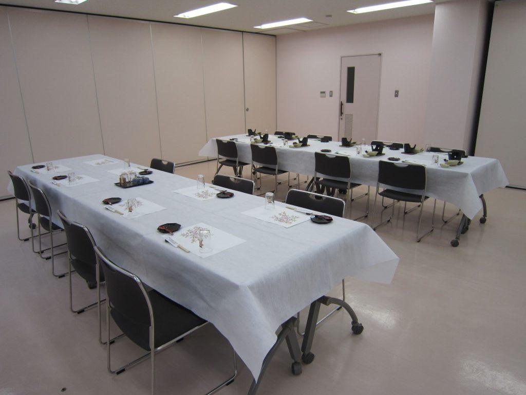 研修室は各種会合、パーティに最適です
